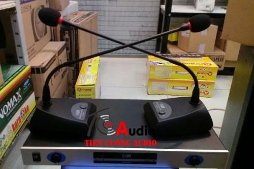 Micro cổ ngỗng không dây OBT 820 micro nhập khẩu có ( C0-CQ )
